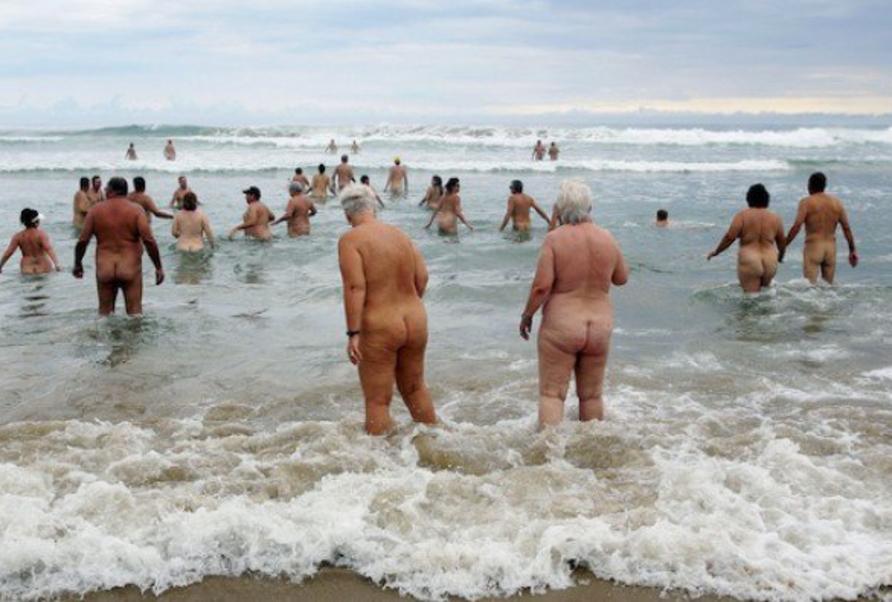ヌーディストビーチに行ったワイ、好みのポチャ女だけ撮影して帰るwwwwwww(エロ画像)・18枚目