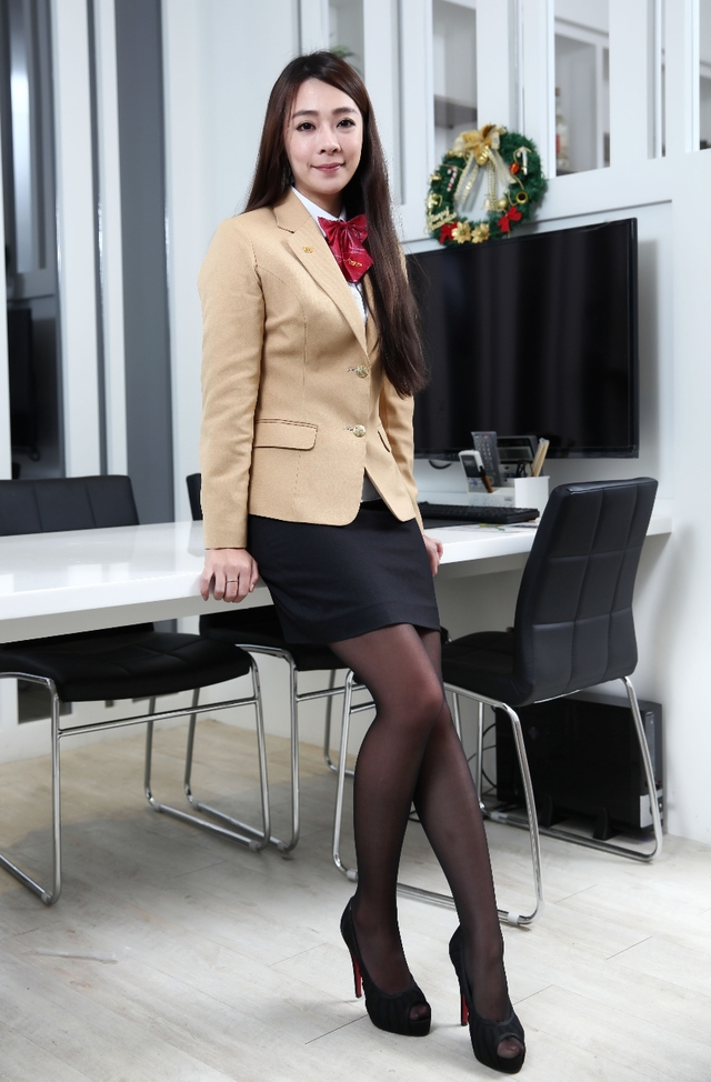 【OLエロ】台湾の働く女の子がエチエチすぎると話題に。整形感が半端ないwwwww・3枚目