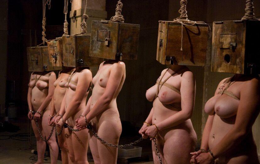【人身売買】性奴隷オークションで女が買われる光景がこちら。。(画像あり)・6枚目