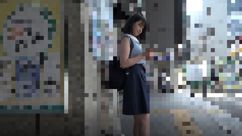 【※盗撮※】ガチ痴漢された女の子、生マンコを撮影され晒される・・・(動画)・1枚目