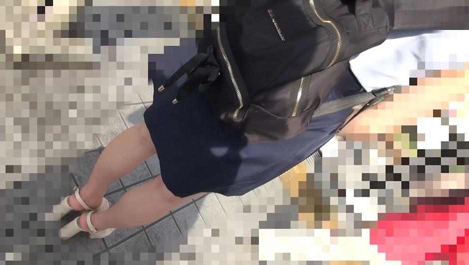 【※盗撮※】ガチ痴漢された女の子、生マンコを撮影され晒される・・・(動画)・4枚目