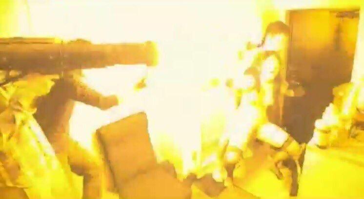 AV女優の女さん、いきなりビール瓶で殴られる・・・・・・(GIFあり)・4枚目