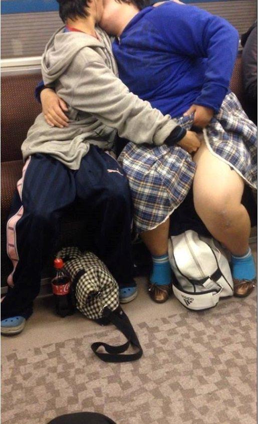 SNSで話題になった韓国・中国の卑猥現場を撮影された画像まとめ・・・・13枚目