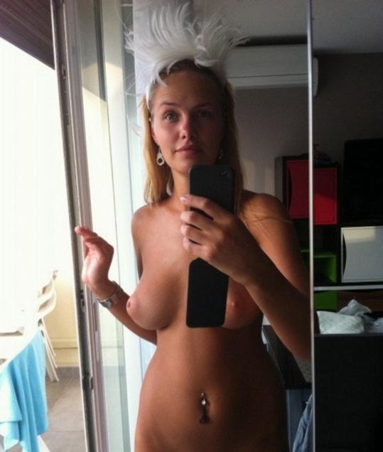 ロシア女子のヌード写真。アダルト無法地帯の国さすがっすわwwwwww(73枚)・15枚目