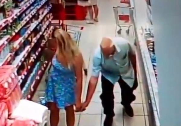 盗撮被害に遭ってる女の子を撮影した瞬間の画像。犯人の根性が半端じゃないwwwwww(画像あり)・32枚目