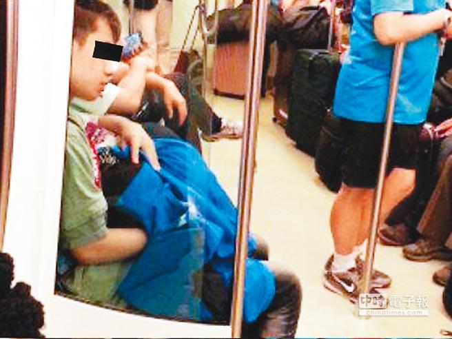 SNSで話題になった韓国・中国の卑猥現場を撮影された画像まとめ・・・・7枚目