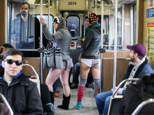 """""""ノーパンツ女子""""が地下鉄で撮影される。。確かに穿いてないねぇwwwwwww(エロ画像)・6枚目"""