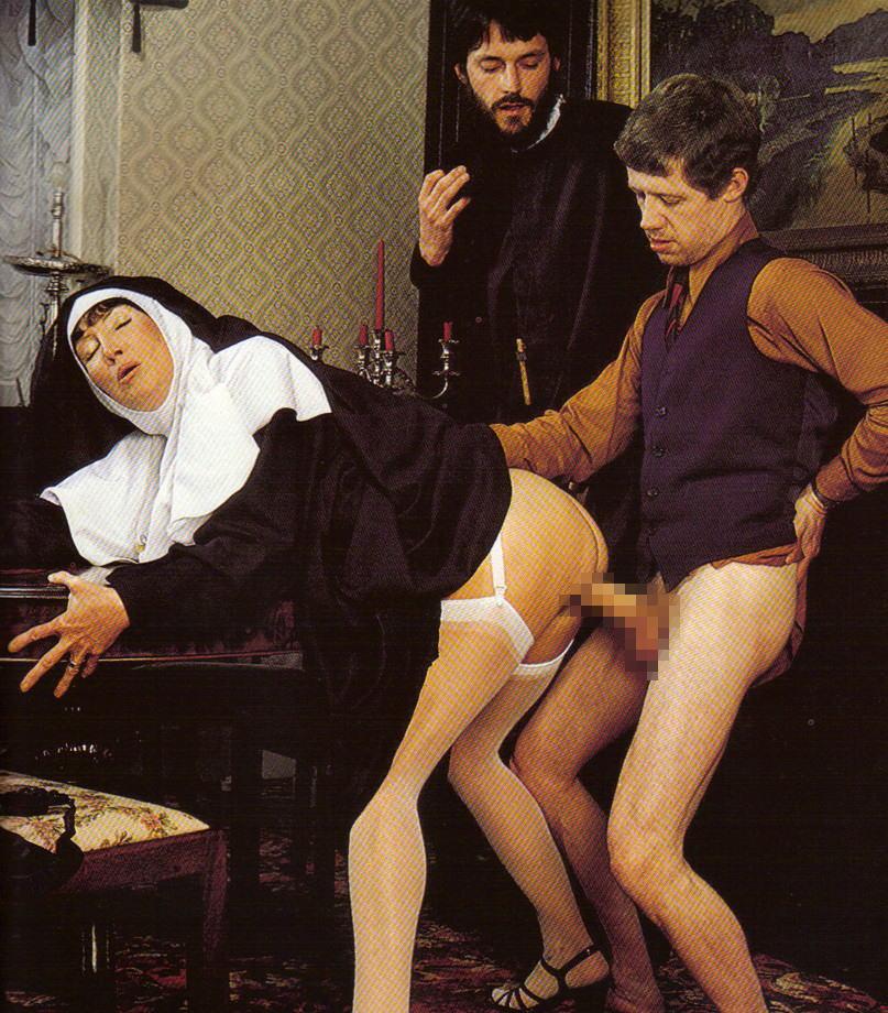 【エロ画像】絶対に処女じゃないシスターがこちら。神への冒涜です・・・・11枚目