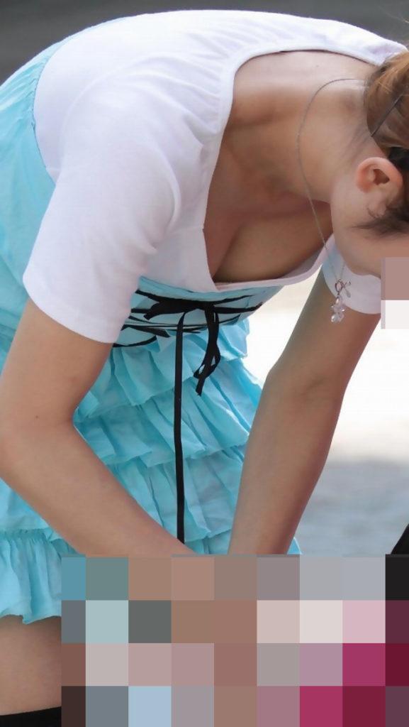 【街撮り】爆乳まんさん、街中で盗撮されて晒される。デカすぎねぇか??・21枚目