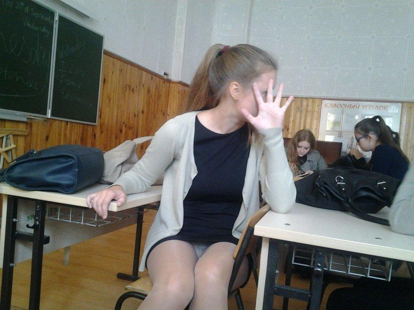 ロシアの学校で撮影された女子生徒の画像。。男子はガチで勉強どころじゃないwwwwww(エロ画像)・35枚目