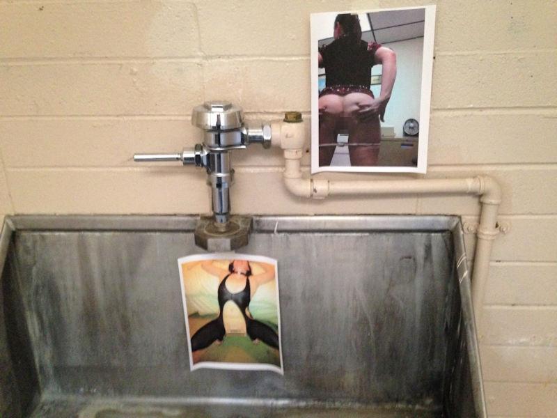 【エロ画像】エッチな写真を撮られた女さん、色んな場所に写真をバラ撒かれる・・・・6枚目