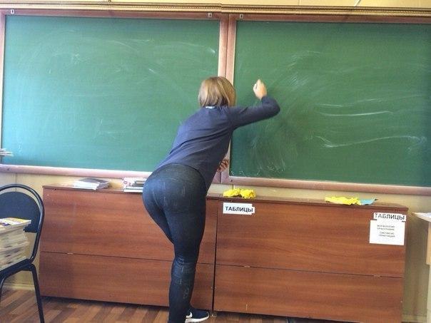 ロシアの学校で撮影された女子生徒の画像。。男子はガチで勉強どころじゃないwwwwww(エロ画像)・9枚目