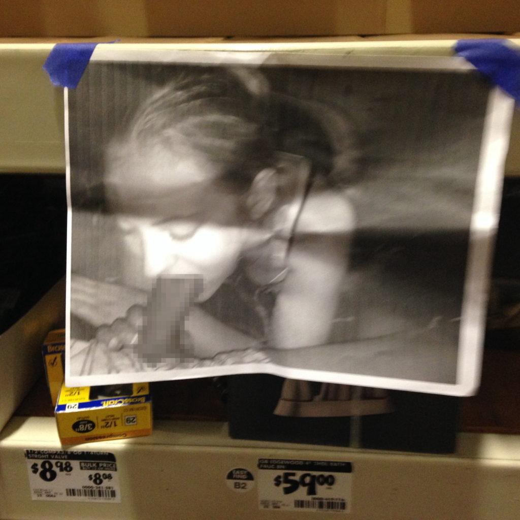 【エロ画像】エッチな写真を撮られた女さん、色んな場所に写真をバラ撒かれる・・・・9枚目