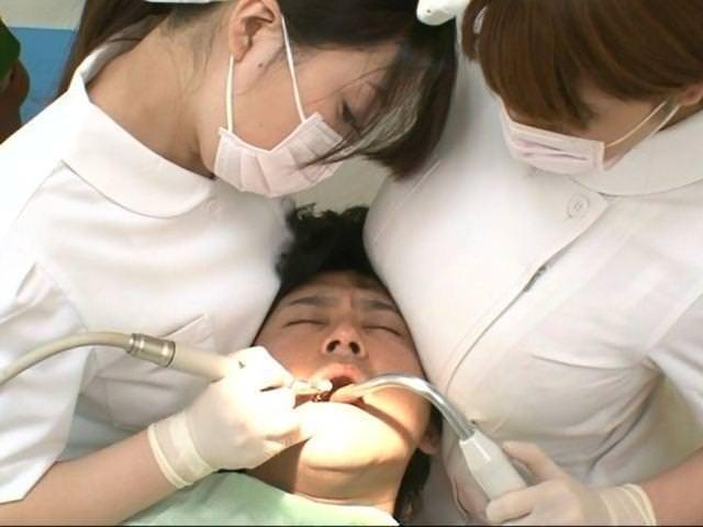 """【エロ画像】男だったら絶対に意識する""""歯科衛生士""""のおっぱいがコレwwwwww・19枚目"""