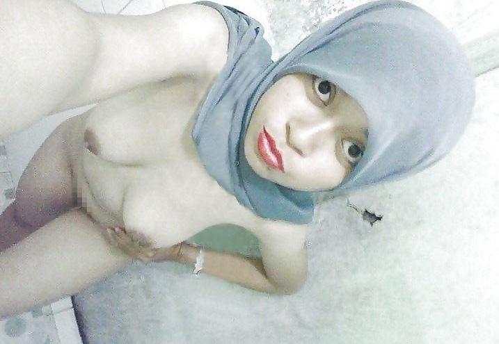 【レイプ覚悟】身体に自信があるイスラム女子さん、SNSで裸体を晒す。。・31枚目