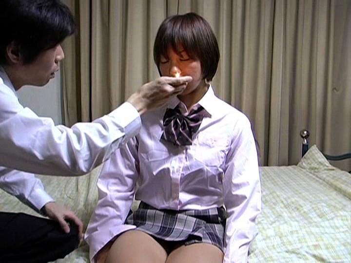 【エロ画像】女の子たちを催眠状態にしてエッチな事する方法がこれwwwwwww・4枚目