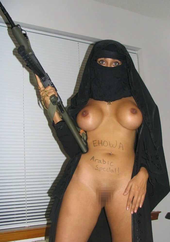 【レイプ覚悟】身体に自信があるイスラム女子さん、SNSで裸体を晒す。。・40枚目