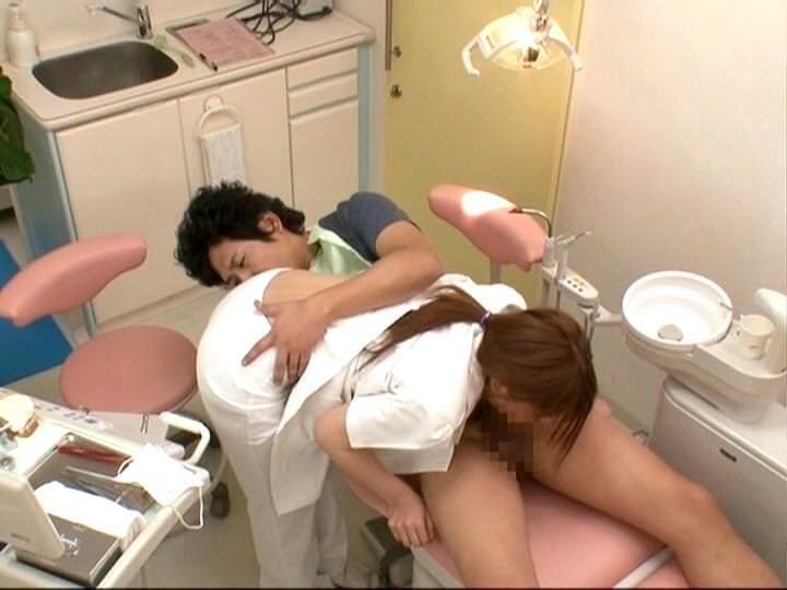 """【エロ画像】男だったら絶対に意識する""""歯科衛生士""""のおっぱいがコレwwwwww・5枚目"""