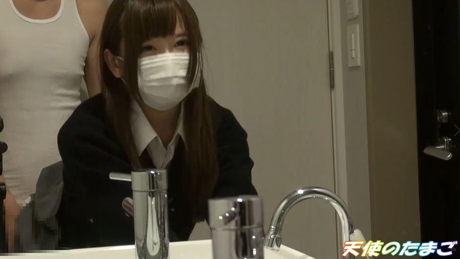 【エロ動画】純白パンツのJKさん初めてのハメ撮りを販売される・・・・22枚目