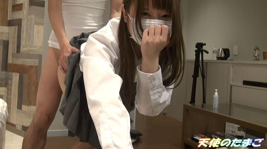 【エロ動画】純白パンツのJKさん初めてのハメ撮りを販売される・・・・26枚目