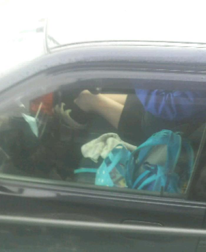 【素人盗撮】トラックから盗撮されたオナニーエロ画像がこれwwwwwwwww・1枚目
