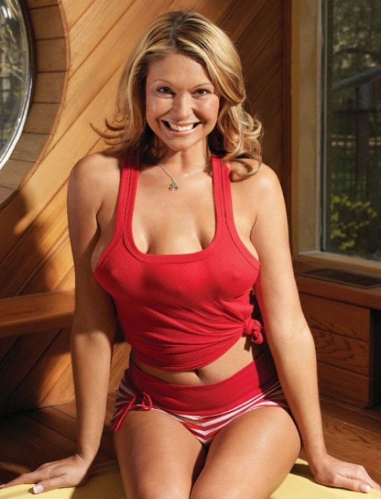 """【おっぱい画像】1つ多い""""乳房""""を持ってる女性たちがこちら。2本挟めるやんwwwww・12枚目"""