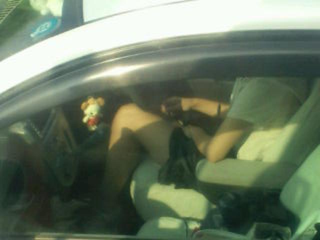 【素人盗撮】トラックから盗撮されたオナニーエロ画像がこれwwwwwwwww・15枚目