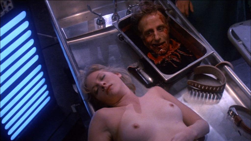 【エログロ】映画で映った女性の全裸ただ役柄は「死体」です・・・(画像あり)・17枚目
