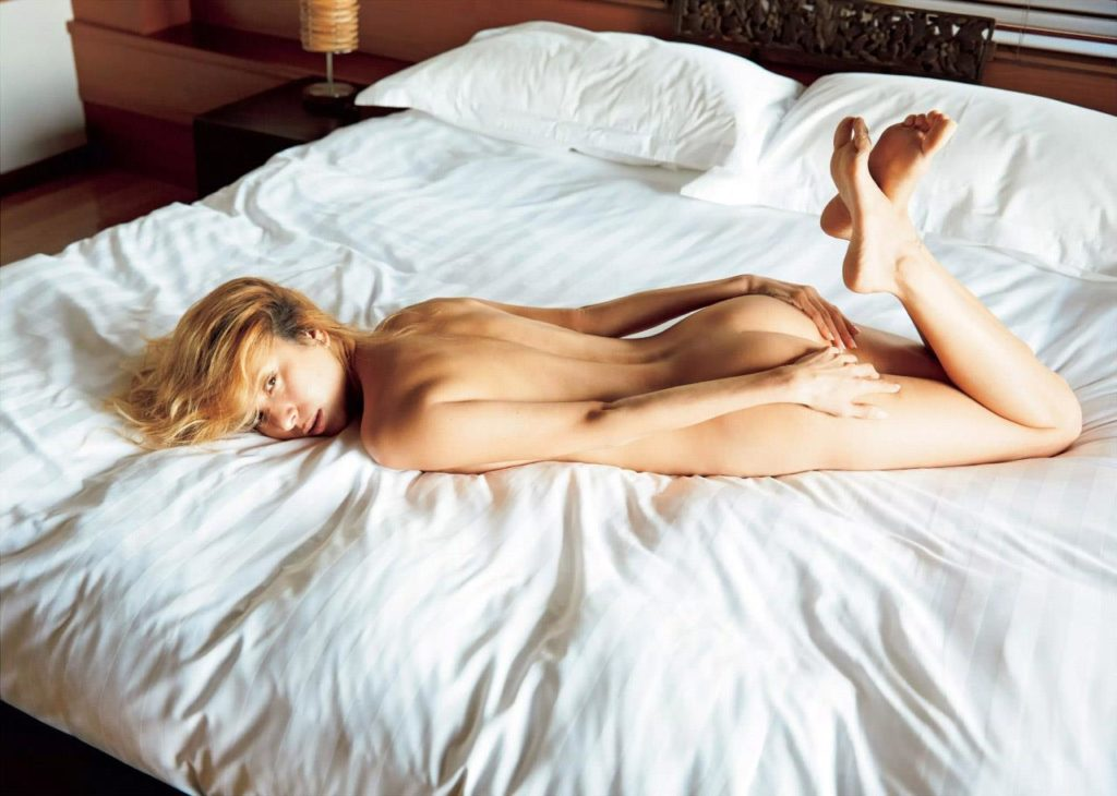 【道端アンジェリカ】乳首解禁で再起を狙う女性タレントをご覧くださいwwwwww・18枚目