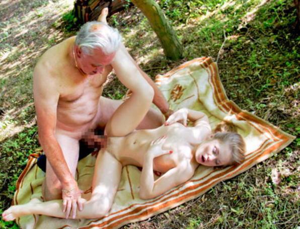 【エロ画像】親子ほどの年の差がある男女のセックス見て興奮する奴いる???・25枚目