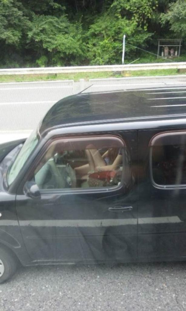 【素人盗撮】トラックから盗撮されたオナニーエロ画像がこれwwwwwwwww・3枚目