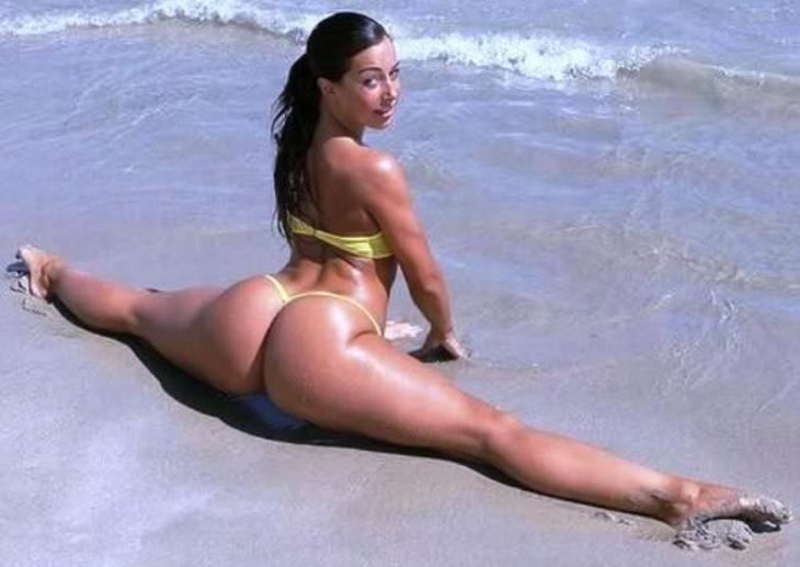 """【エロ画像】ブラジルのビーチで""""神の尻""""を持つ女たちが撮影されるwwwwww・13枚目"""