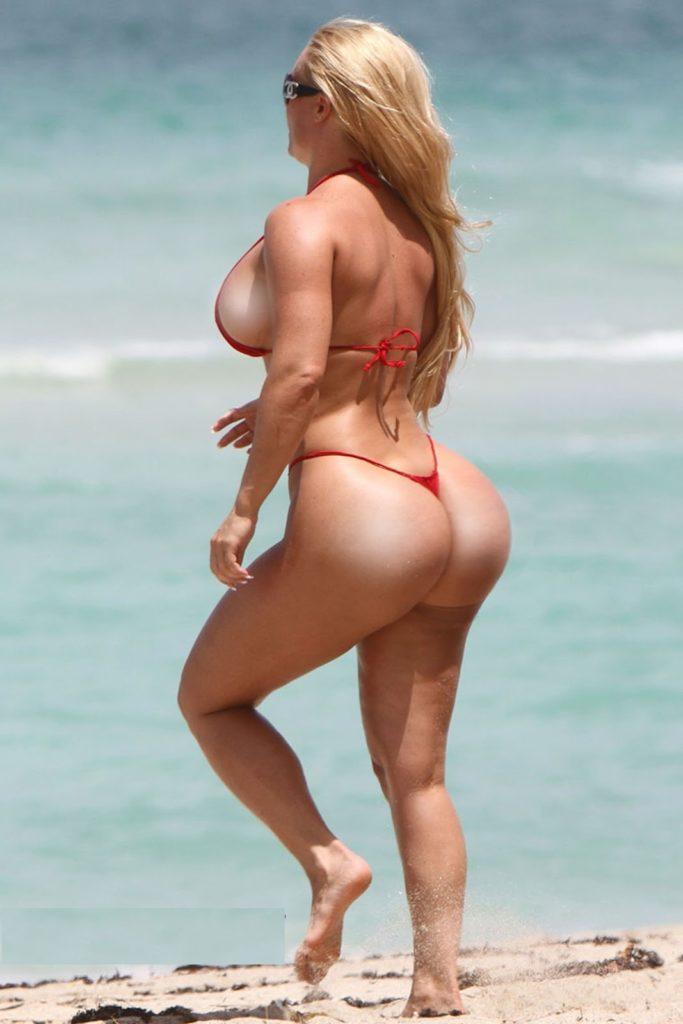 """【エロ画像】ブラジルのビーチで""""神の尻""""を持つ女たちが撮影されるwwwwww・20枚目"""