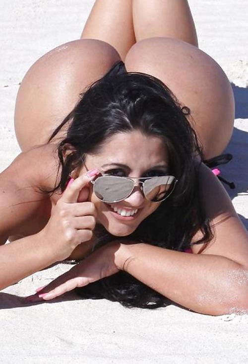 """【エロ画像】ブラジルのビーチで""""神の尻""""を持つ女たちが撮影されるwwwwww・4枚目"""