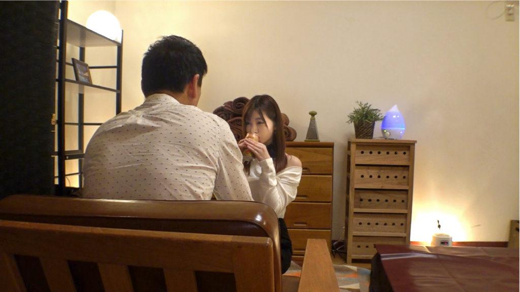 【銀座の天使】新人エステ美女が禁止行為をヤリまくる店舗を取材した結果wwwwww(動画)・9枚目