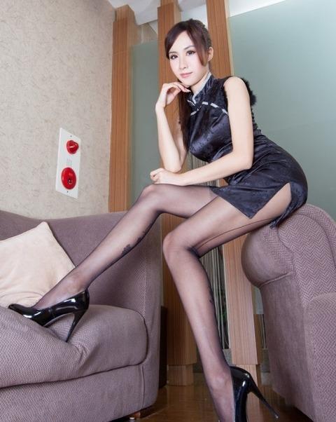 【中国エロ】美少女揃いの少数民族、衣装がエロすぎて話題にwwwwwwwww(画像あり)・48枚目