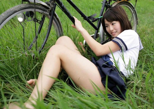 【太もも】エロいJK女子のムッチムチな脚のエロ画像ください。(110枚)・52枚目