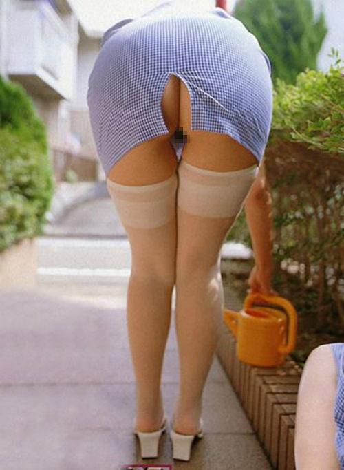 """【太もも】スカートのスリットから見える""""脚""""に興奮する奴の為のエロ画像集(25枚)・11枚目"""