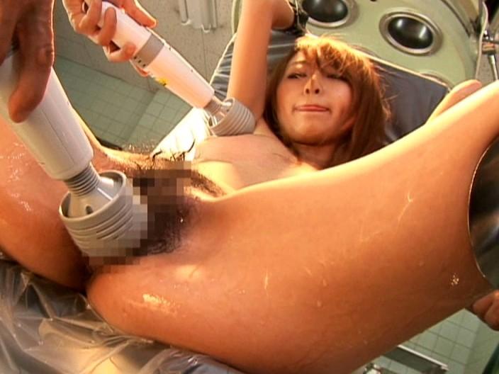 【エロ画像】手術室でレイプされる女さん、抵抗できずヤラれ放題。。・12枚目
