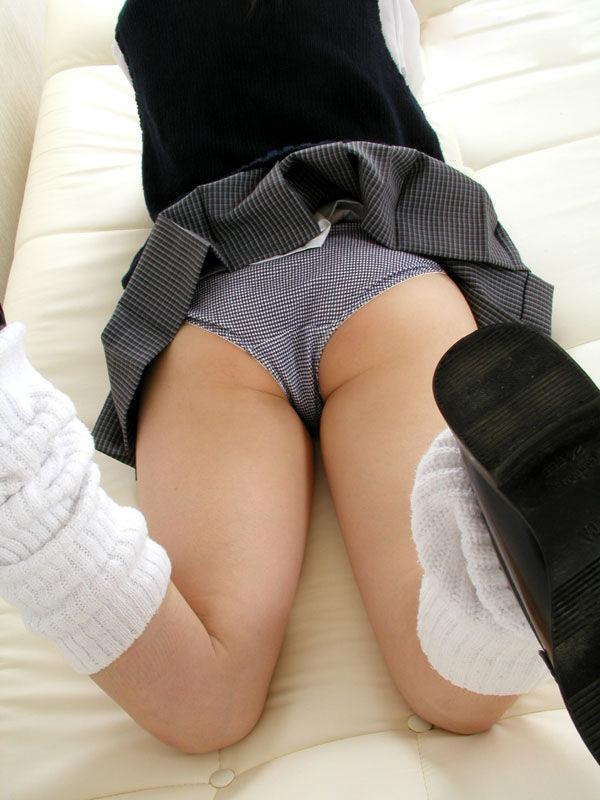 【太もも】エロいJK女子のムッチムチな脚のエロ画像ください。(110枚)・58枚目