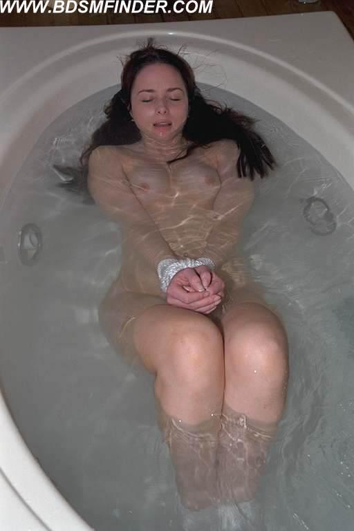 【極調教】あのバッキーを超える水責め「無限水地獄」をご覧ください・・・・・15枚目