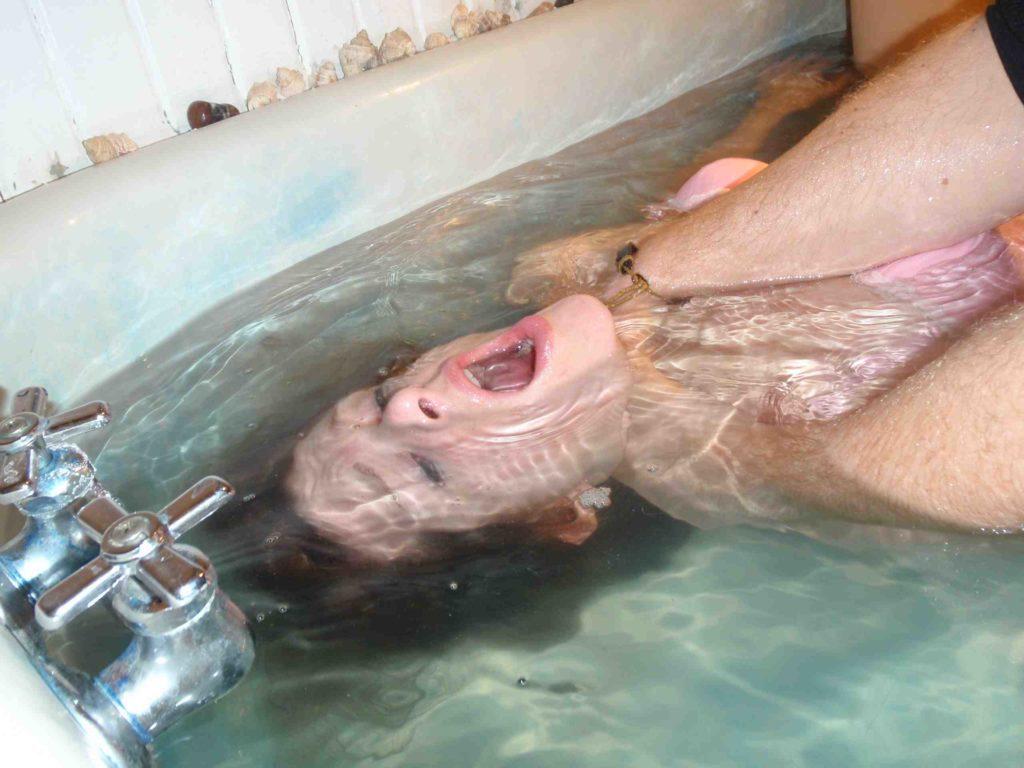 【極調教】あのバッキーを超える水責め「無限水地獄」をご覧ください・・・・・16枚目