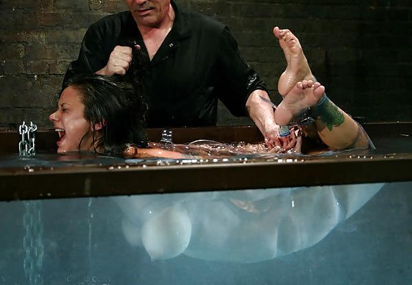 【極調教】あのバッキーを超える水責め「無限水地獄」をご覧ください・・・・・26枚目