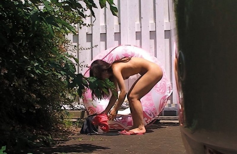 【盗撮】生着替えしてる素人女さん、バッチリ撮影され晒されてしまう・・・(エロ画像)・26枚目
