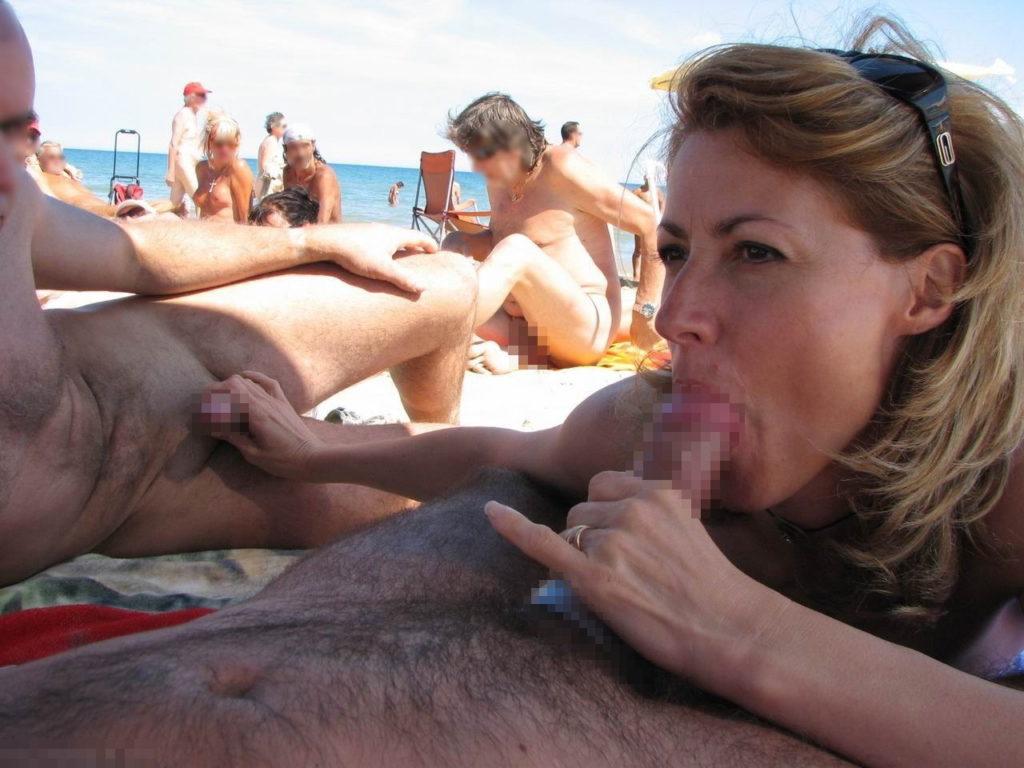 ヌーディストビーチにいる女さん、ビッチすぎて乱交まで発展するwwwwww(エロ画像)・3枚目