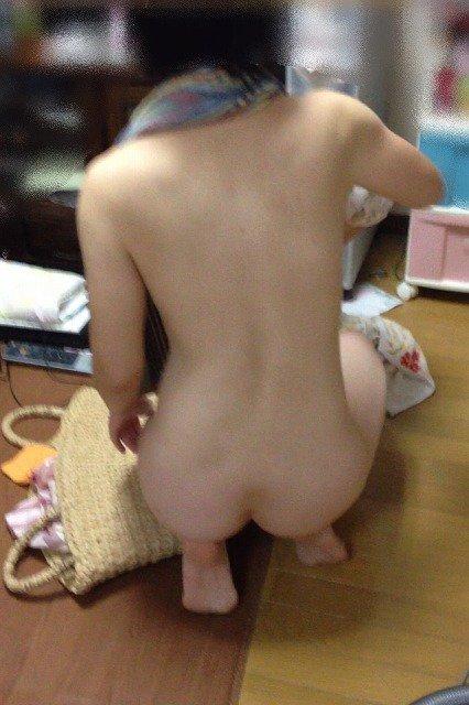【素人エロ】家庭内の「妻」を盗撮した夫がしっかり流出させる・・・(24枚)・7枚目