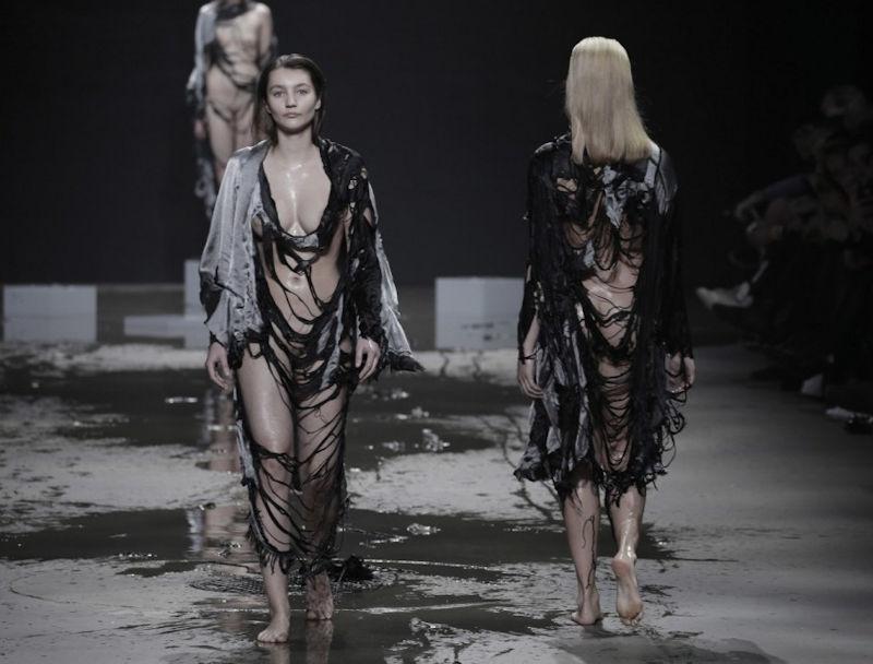 【パリコレ】エロすぎる世界一のファッションショー、おっぱいも最強やったwwwww(100枚)・32枚目