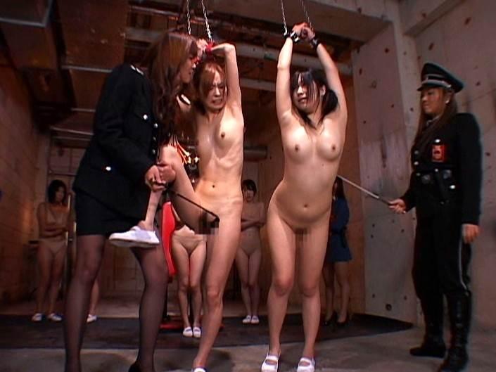 【エロ画像】女子刑務所で行われている性的イジメが壮絶すぎる・・・・11枚目