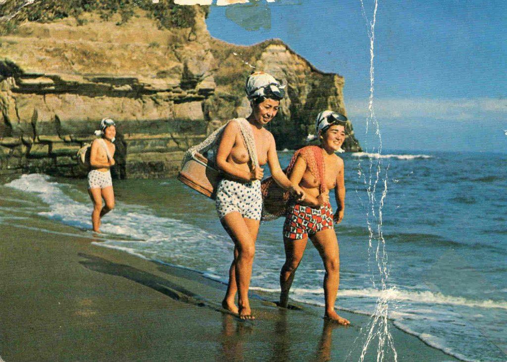 おっぱい丸出しの昔の「海女さん」自然に鍛えられた身体がこちら。(エロ画像)・2枚目