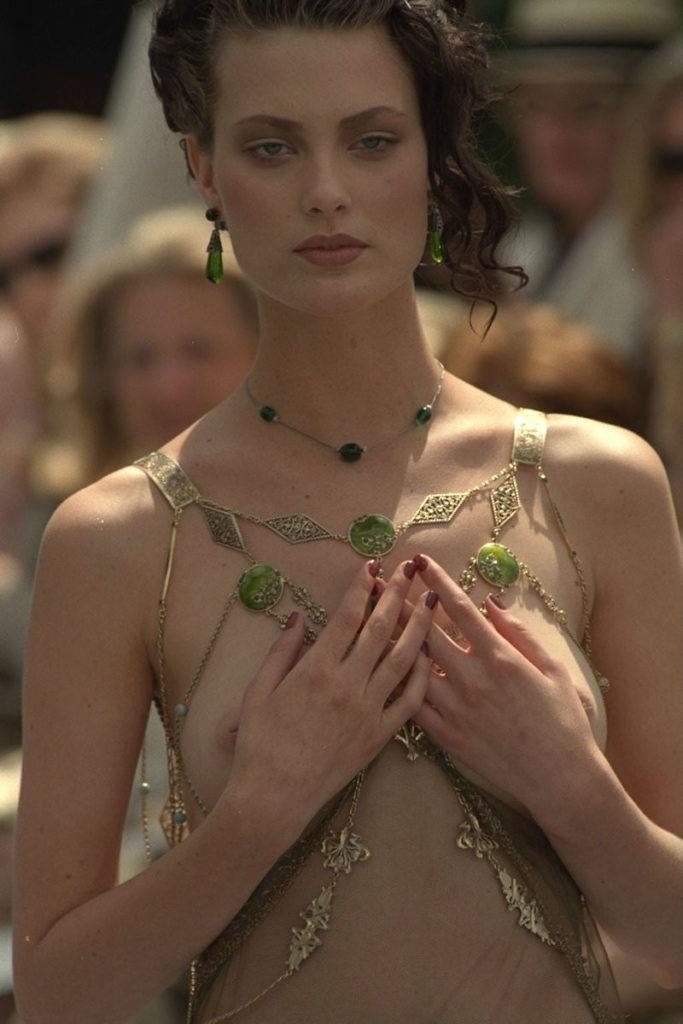 【パリコレ】エロすぎる世界一のファッションショー、おっぱいも最強やったwwwww(100枚)・42枚目